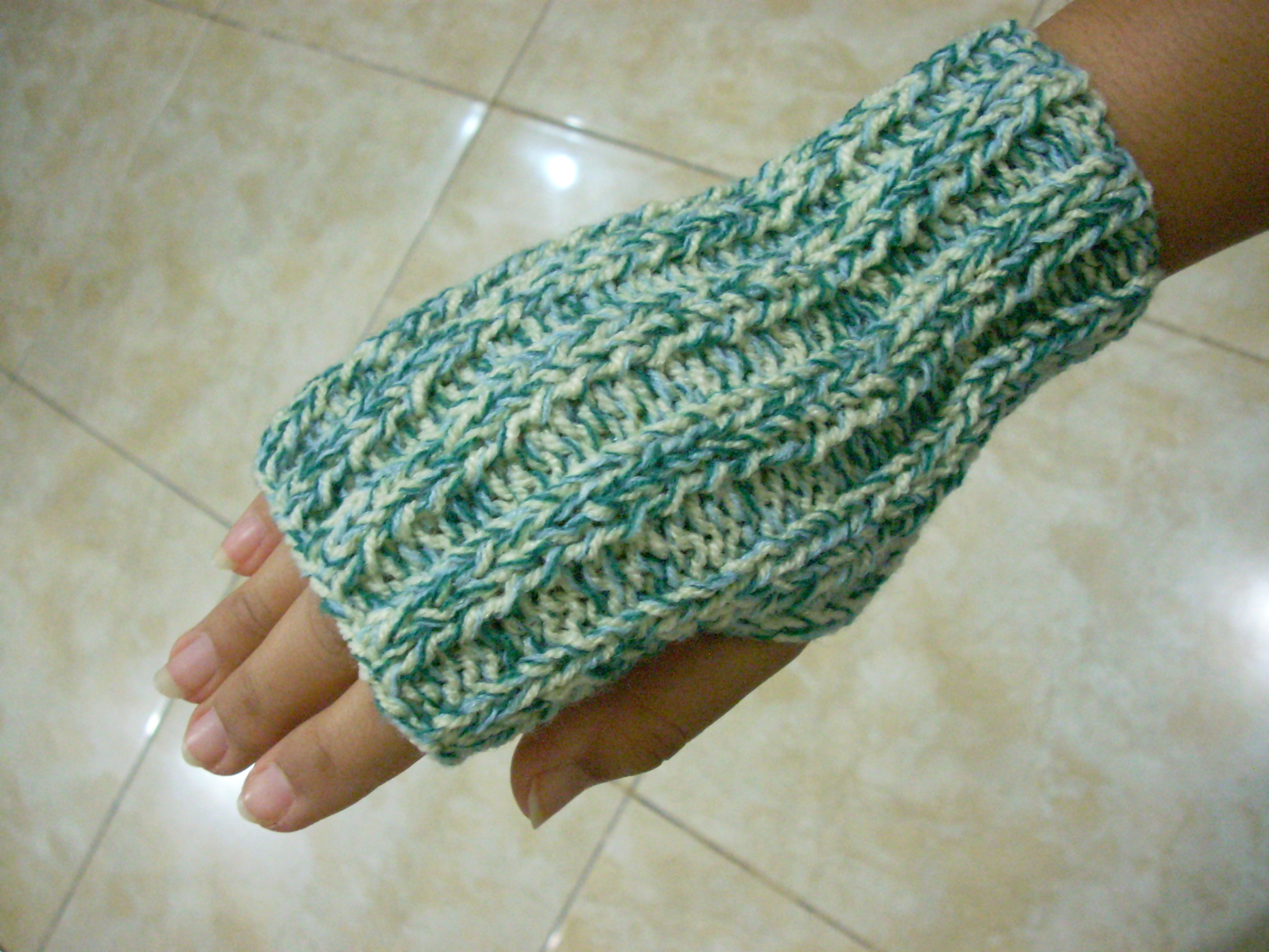 Super Easy Fingerless Gloves Knitting Pattern : Knit Stnobenis Blog